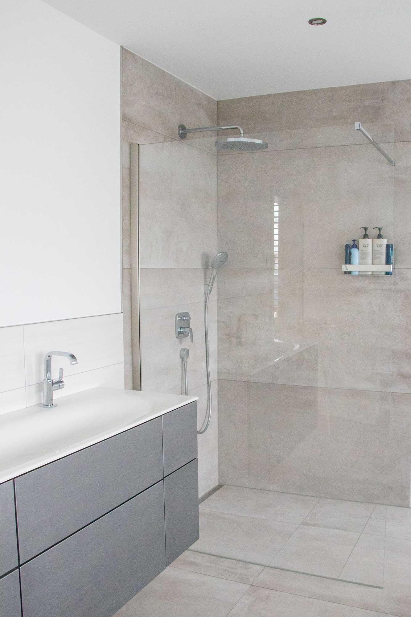 Betonoptik Fliesen im Badezimmer - Fliesen Vlady ...